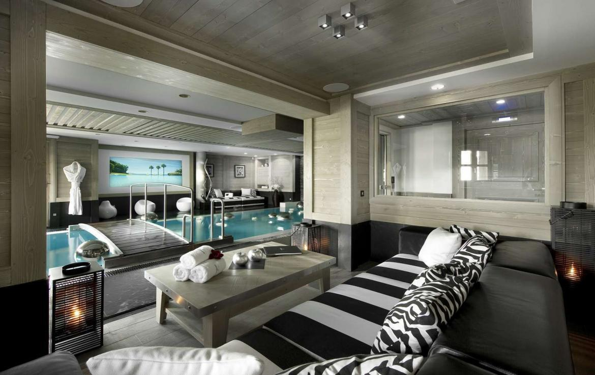 Kings-avenue-courchevel-jacuzzi-hammam-swimming-pool-childfriendly-parking-boot-heaters-fireplace-ski-in-ski-out-wine-cellar-area-courchevel-023-5