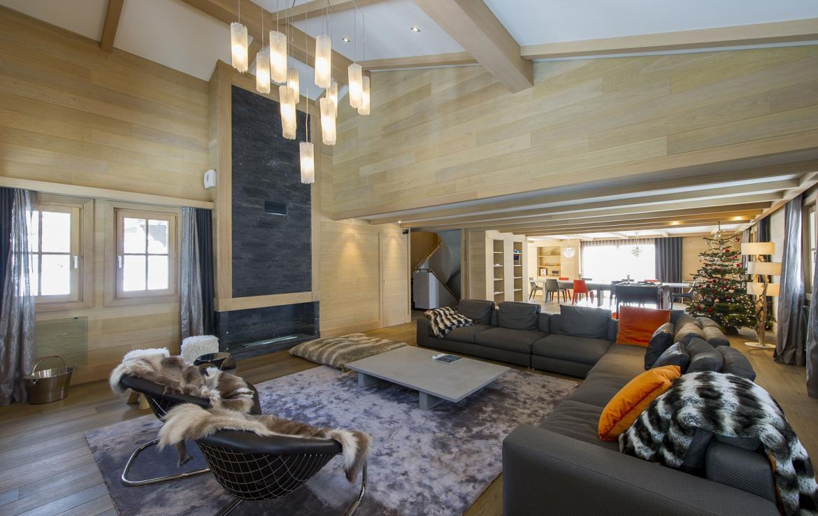 Kings-avenue-courchevel-jacuzzi-hammam-swimming-pool-childfriendly-parking-cinema-kids-playroom-games-room-gym-boot-heaters-ski-in-ski-out-area-courchevel-001-3