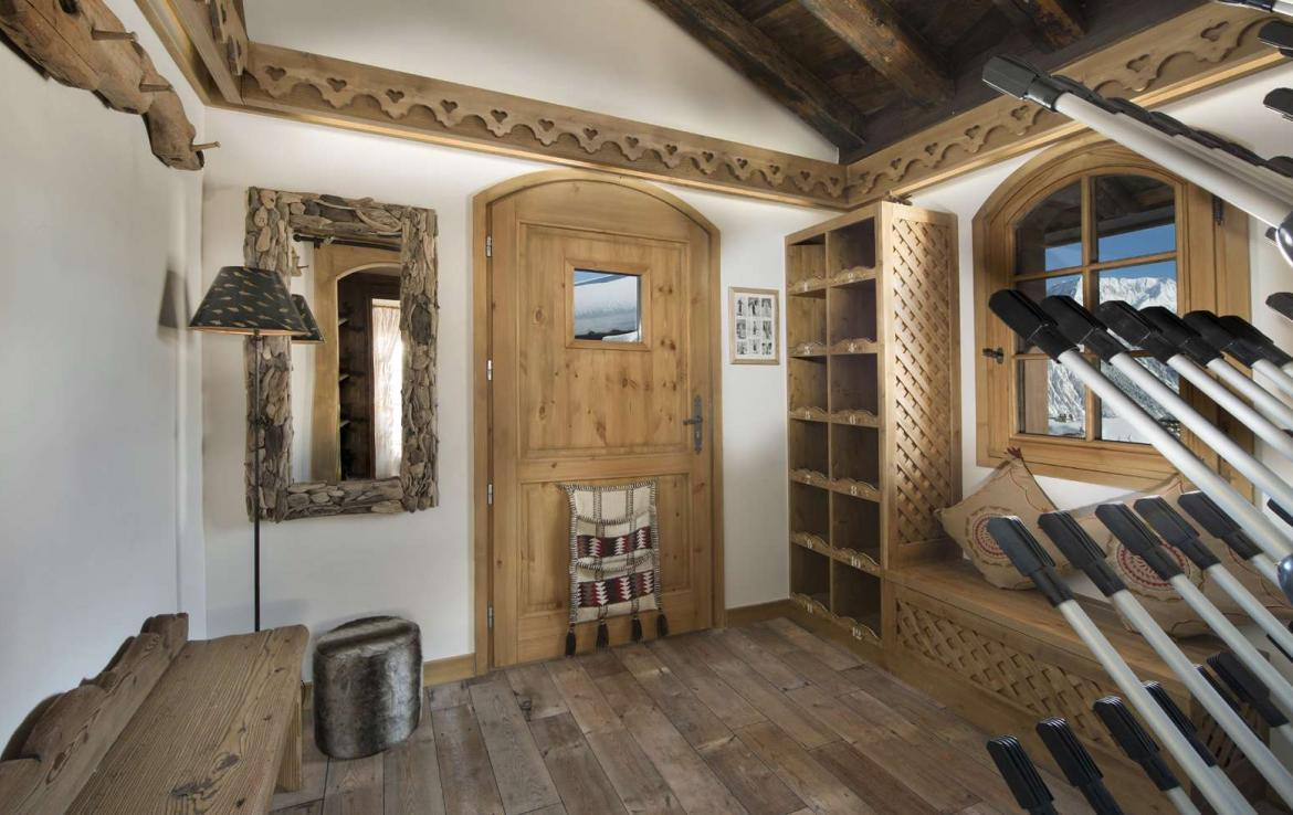 Kings-avenue-courchevel-sauna-hammam-swimming-pool-childfriendly-parking-cinema-kids-playroom-games-boot-heaters-fireplace-ski-in-ski-out-area-courchevel-089-15