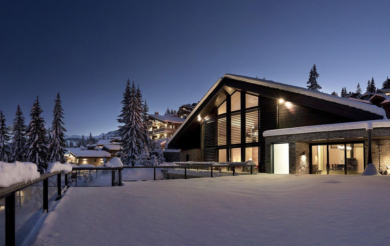 Kings-avenue-courchevel-sauna-jacuzzi-hammam-childfriendly-parking-cinema-gym-boot-heaters-fireplace-ski-in-ski-out-area-courchevel-013