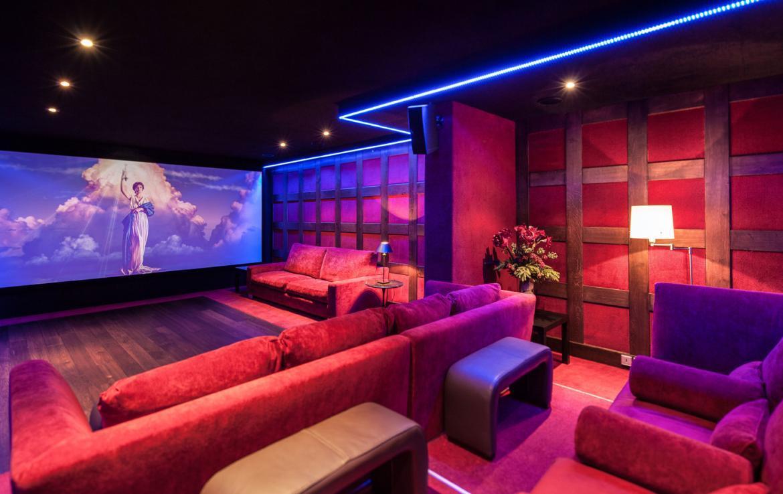 Kings-avenue-courchevel-sauna-jacuzzi-hammam-childfriendly-parking-cinema-gym-boot-heaters-fireplace-ski-in-ski-out-area-courchevel-013-9