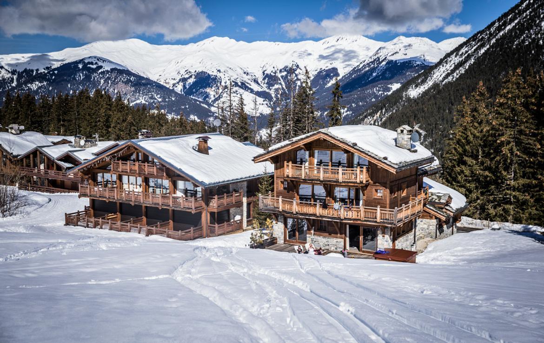 Kings-avenue-courchevel-sauna-jacuzzi-hammam-childfriendly-parking-kids-playroom-boot-heaters-fireplace-ski-in-ski-out-cinema-bar-massage-area-courchevel-004-3