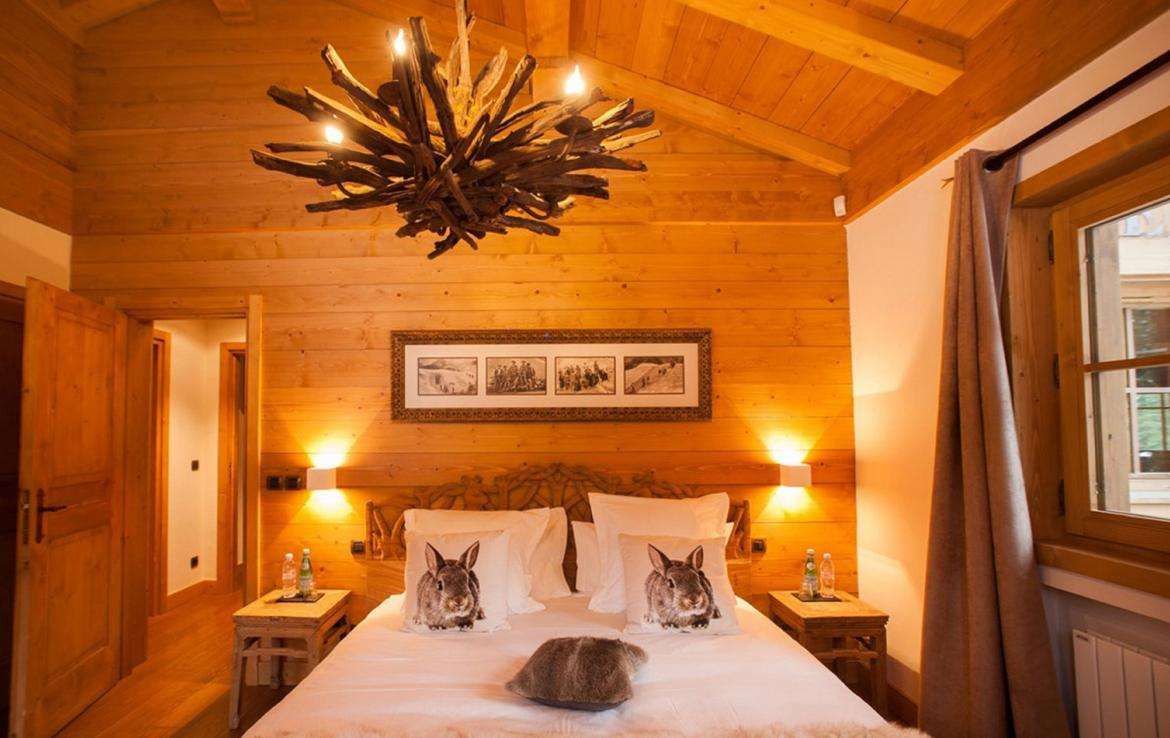 Kings-avenue-courchevel-sauna-jacuzzi-hammam-childfriendly-parking-kids-playroom-boot-heaters-fireplace-ski-in-ski-out-garden-terrace-bar-area-courchevel-moriond-006-10