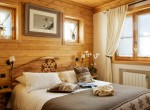 Kings-avenue-courchevel-sauna-jacuzzi-hammam-childfriendly-parking-kids-playroom-boot-heaters-fireplace-ski-in-ski-out-garden-terrace-bar-area-courchevel-moriond-006-11