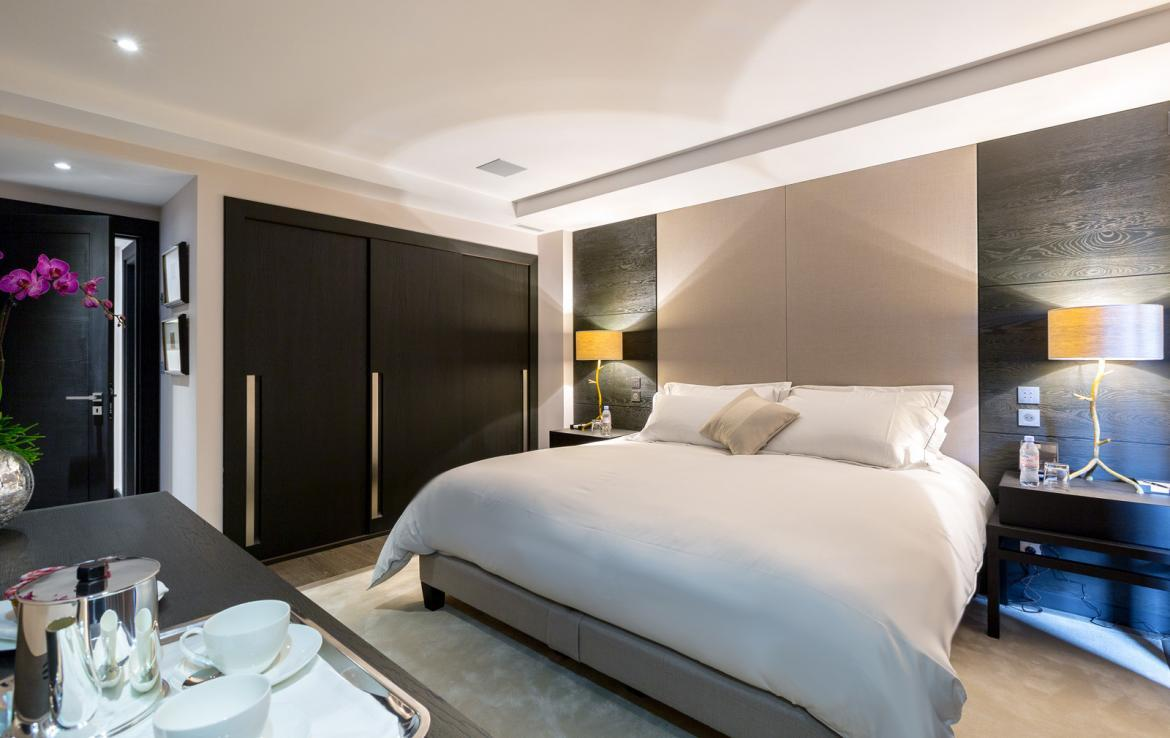 Kings-avenue-courchevel-sauna-jacuzzi-hammam-swimming-pool-childfriendly-parking-boot-heaters-fireplace-cinema-room-bar-night-club-lift-area-courchevel-012-10