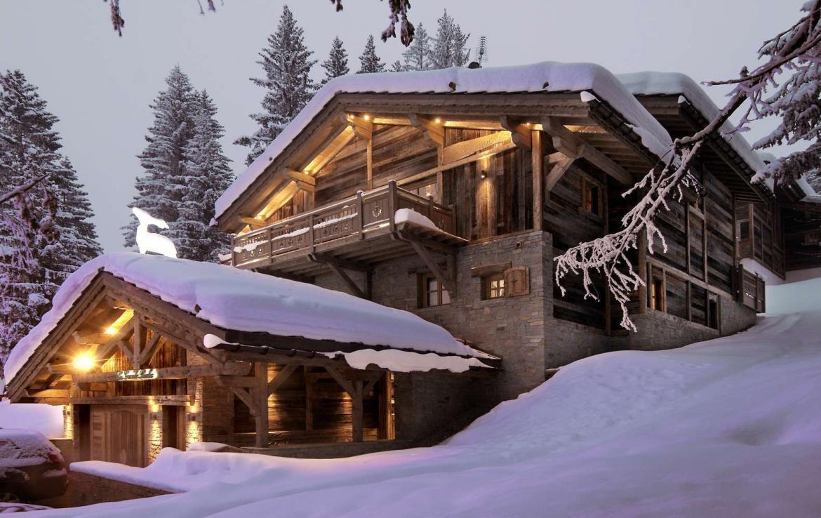 Kings-avenue-courchevel-sauna-jacuzzi-hammam-swimming-pool-childfriendly-parking-cinema-gym-boot-heaters-fireplace-lift-massage-room-area-courchevel-019