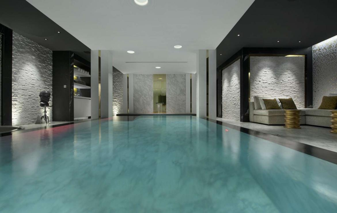 Kings-avenue-courchevel-sauna-jacuzzi-hammam-swimming-pool-childfriendly-parking-cinema-gym-boot-heaters-fireplace-ski-out-lift-area-courchevel-014-9