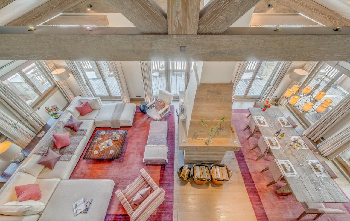 Kings-avenue-courchevel-sauna-jacuzzi-hammam-swimming-pool-childfriendly-parking-gym-boot-heaters-fireplace-ski-in-ski-out-massage-room-terrace-area-courchevel-022-6