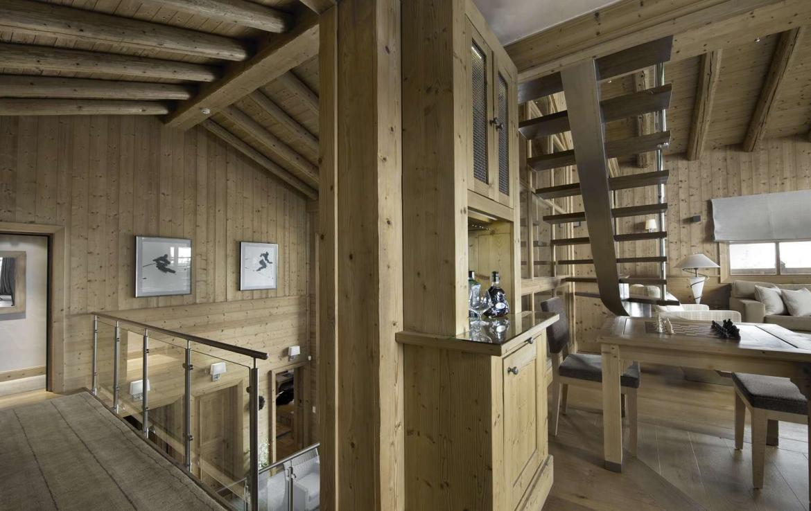 Kings-avenue-courchevel-tv-hifi-wifi-satelitte-jacuzzi-childfriendly-parking-games-room-gym-fireplace-ski-in-ski-out-massage-room-area-courchevel-026-4