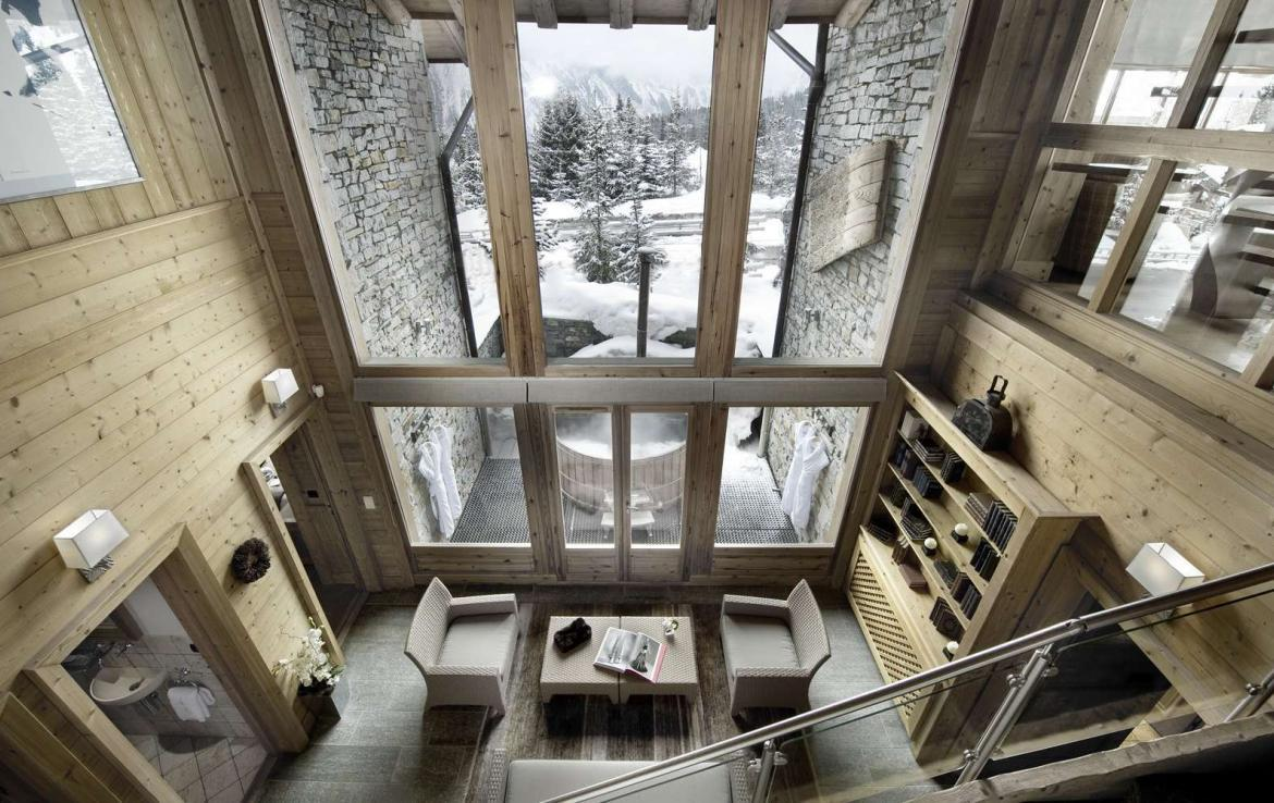 Kings-avenue-courchevel-tv-hifi-wifi-satelitte-jacuzzi-childfriendly-parking-games-room-gym-fireplace-ski-in-ski-out-massage-room-area-courchevel-026-6