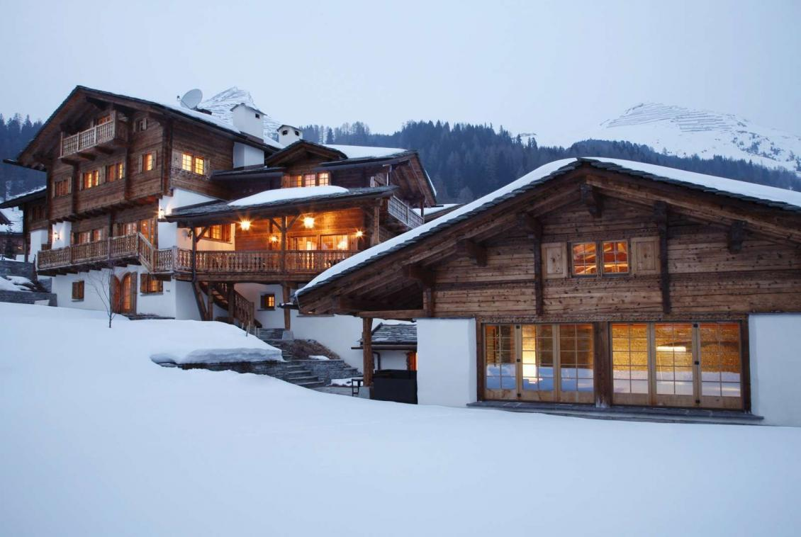 Kings-avenue-davos-sauna-jacuzzi-hammam-swimming-pool-parking-cinema-kids-playroom-boot-heaters-fireplace-ski-in-ski-out-wine-cellar-spa-massage-waterfall-area-davos-001