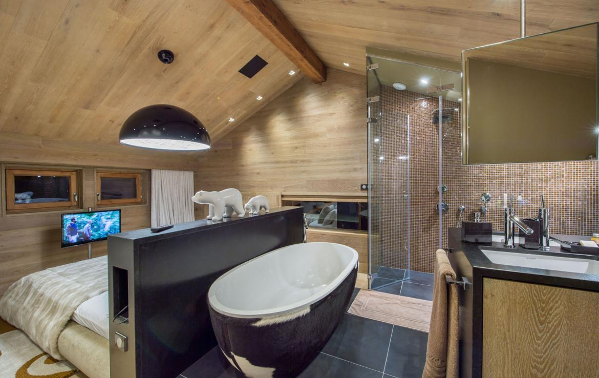 Kings-avenue-gourchevel-moriond-jacuzzi-hammam-childfriendly-parking-gym-boot-heaters-fireplace-massage-room-cinema-room-lounge-area-area-gourchevel-moriond-008-9