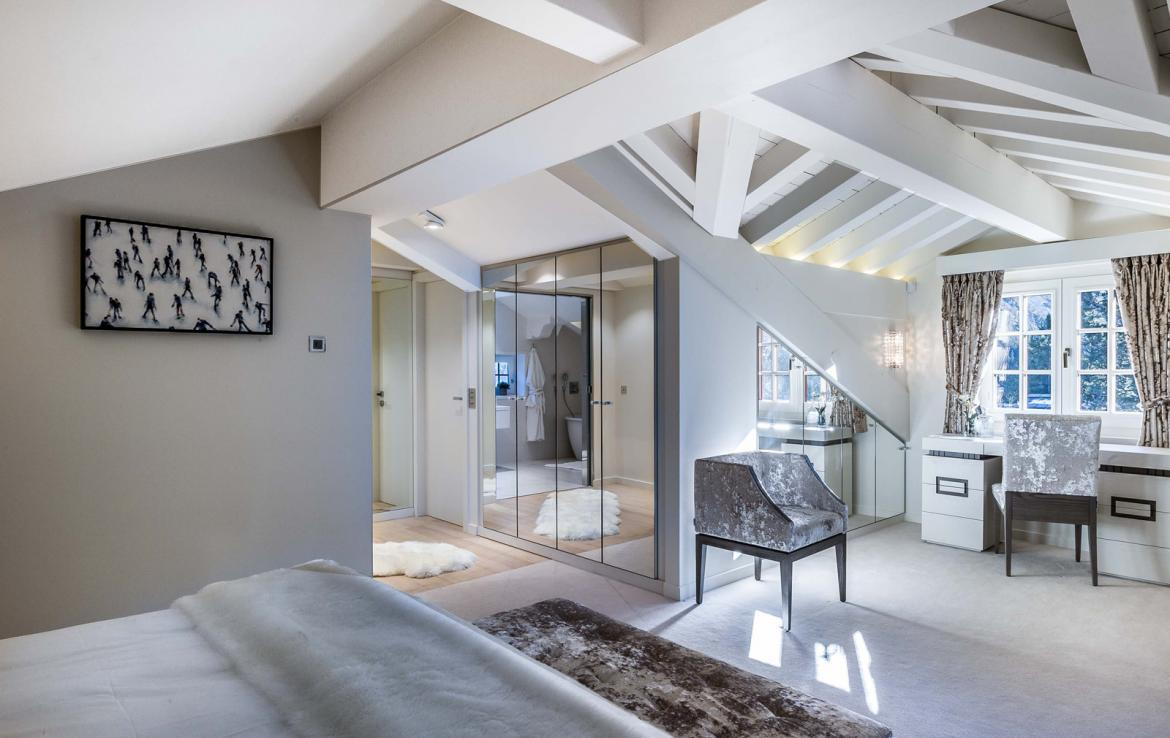 Kings-avenue-gourchevel-moriond-sauna-indoor-jacuzzi-parking-boot-heaters-fireplace-ski-in-ski-out-area-gourchevel-moriond-007-10
