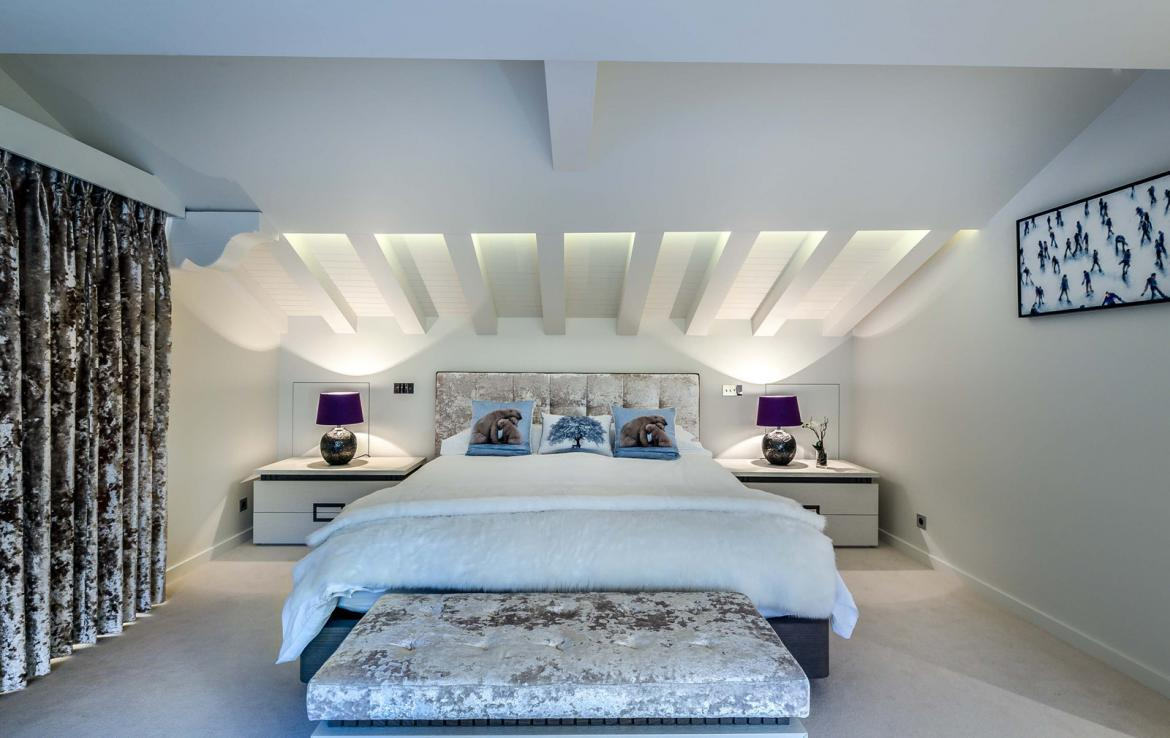 Kings-avenue-gourchevel-moriond-sauna-indoor-jacuzzi-parking-boot-heaters-fireplace-ski-in-ski-out-area-gourchevel-moriond-007-11