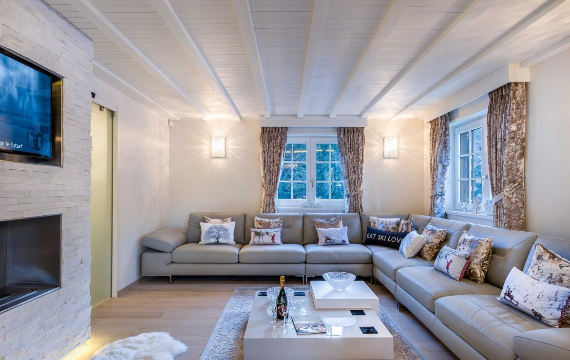 Kings-avenue-gourchevel-moriond-sauna-indoor-jacuzzi-parking-boot-heaters-fireplace-ski-in-ski-out-area-gourchevel-moriond-007-4