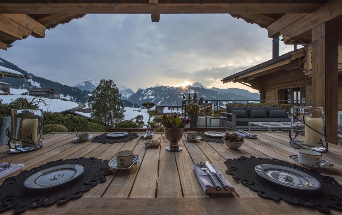 Kings-avenue-gstaad-hammam-swimming-pool-covered-parking-boot-heaters-fireplace-sound-system-area-gstaad-003-15