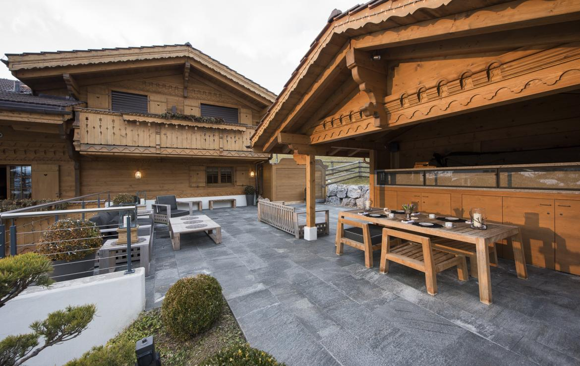 Kings-avenue-gstaad-hammam-swimming-pool-covered-parking-boot-heaters-fireplace-sound-system-area-gstaad-003-17
