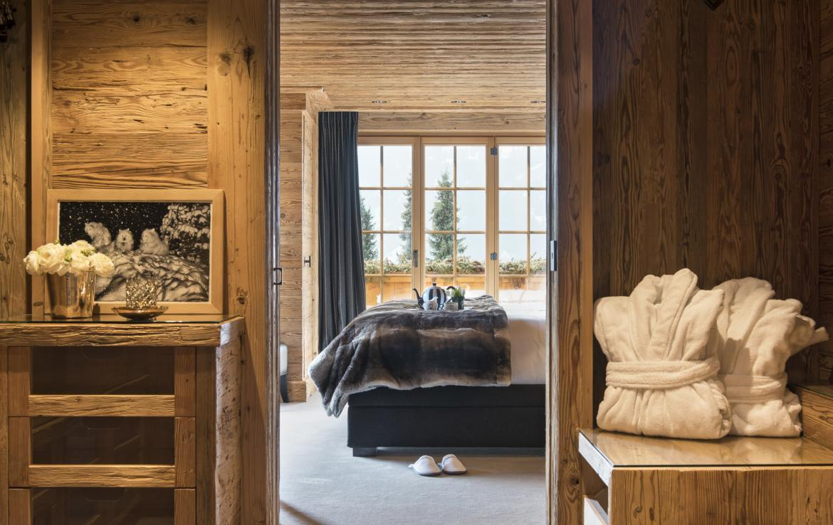 Kings-avenue-gstaad-hammam-swimming-pool-covered-parking-boot-heaters-fireplace-sound-system-area-gstaad-003-19