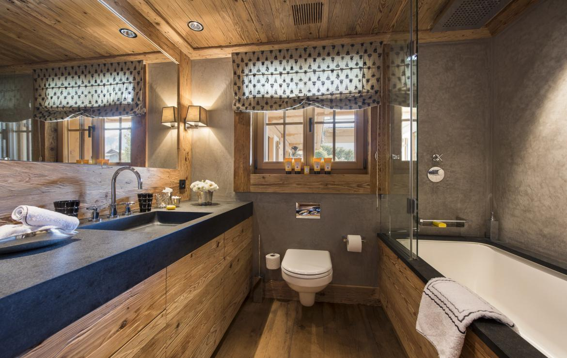 Kings-avenue-gstaad-hammam-swimming-pool-covered-parking-boot-heaters-fireplace-sound-system-area-gstaad-003-28