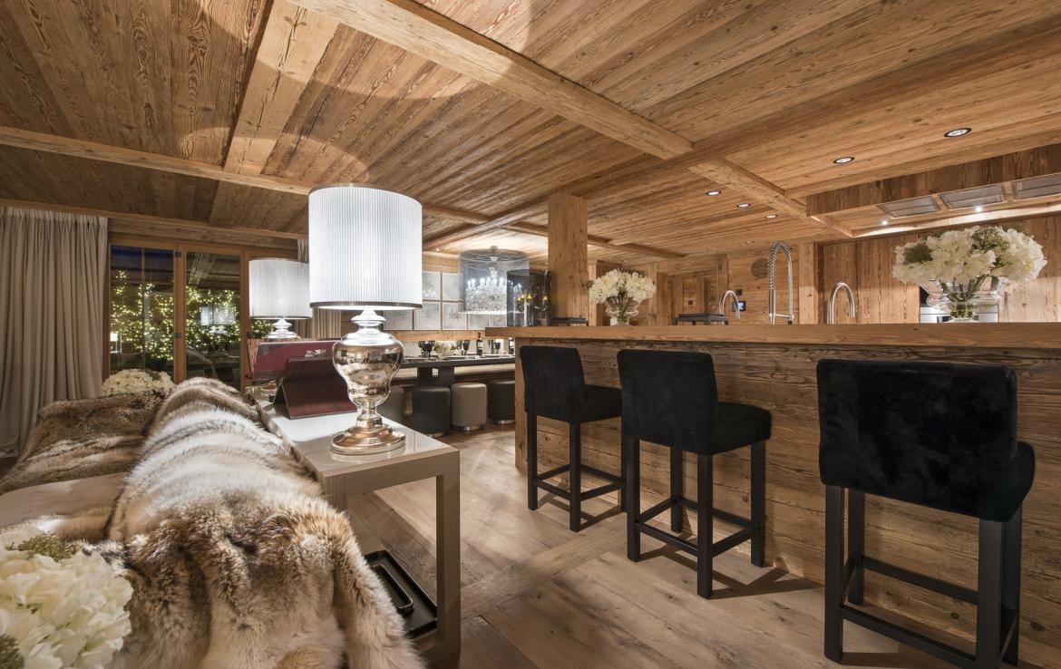 Kings-avenue-gstaad-hammam-swimming-pool-covered-parking-boot-heaters-fireplace-sound-system-area-gstaad-003-5