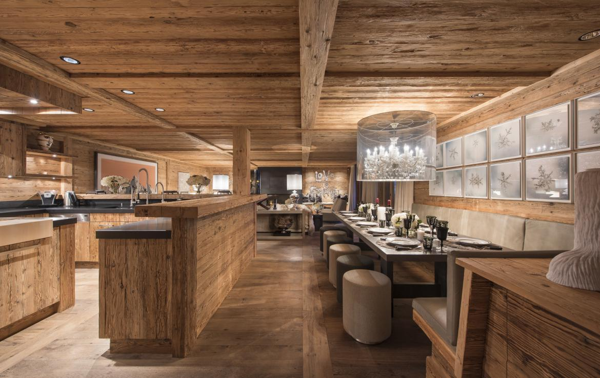 Kings-avenue-gstaad-hammam-swimming-pool-covered-parking-boot-heaters-fireplace-sound-system-area-gstaad-003-7