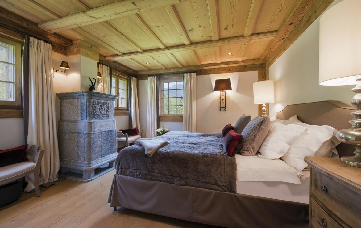 Kings-avenue-gstaad-sauna-hammam-childfriendly-parking-kids-playroom-games-room-gym-boot-heaters-fireplace-cinema-room-plunge-pool-area-gstaad-004-19
