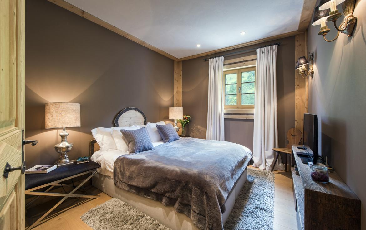 Kings-avenue-gstaad-sauna-hammam-childfriendly-parking-kids-playroom-games-room-gym-boot-heaters-fireplace-cinema-room-plunge-pool-area-gstaad-004-20