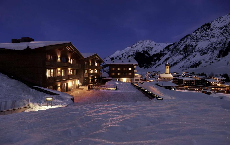 Kings-avenue-lech-sauna-jacuzzi-hammam-swimming-pool-parking-cinema-boot-heaters-fireplace-ski-in-ski-out-area-lech-002-3