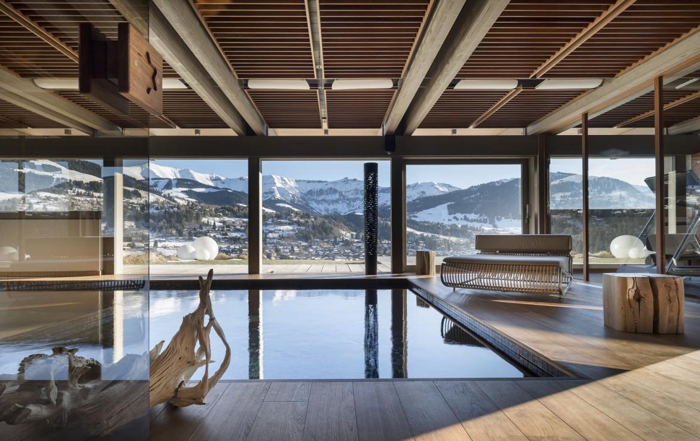 Kings-avenue-mégeve-snow-sauna-hammam-swimming-pool-childfriendly-parking-cinema-kids-playroom-games-room-boot-heaters-ski-in-ski-out-lift-wine-cellar-gym-area-mégeve-001-8