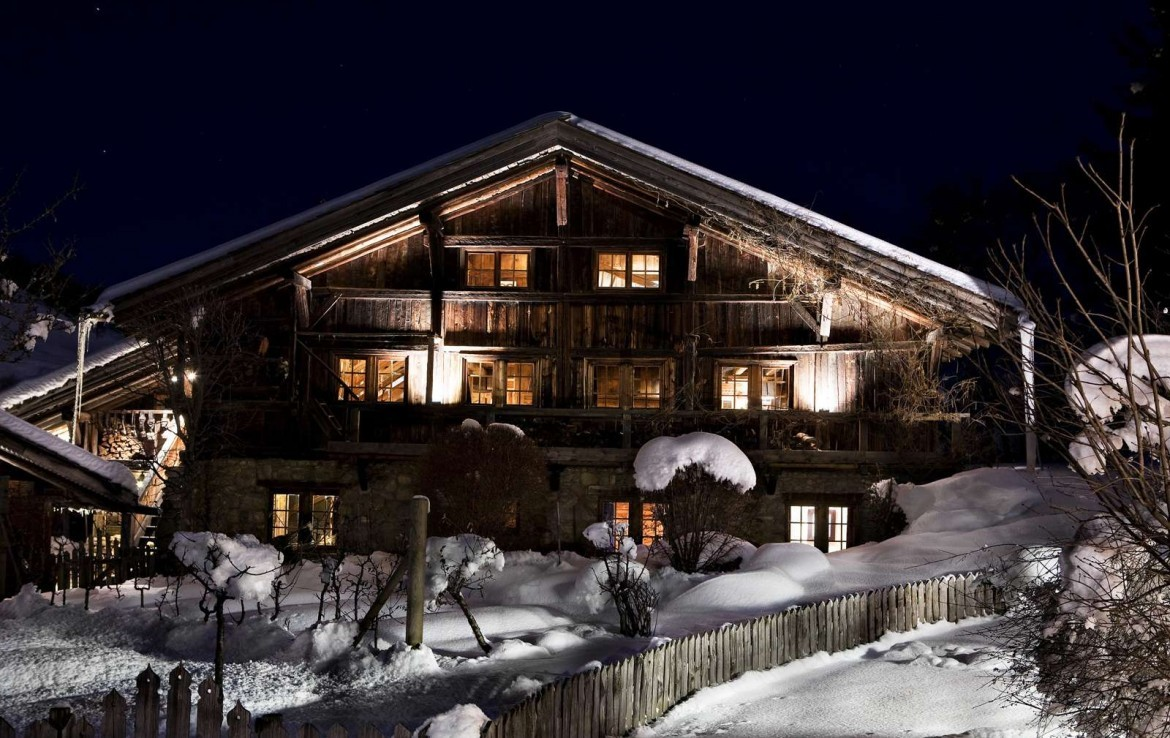 Kings-avenue-mégeve-snow-sauna-indoor-jacuzzi-swimming-pool-chidfriendly-parking-gym-boot-heaters-fireplace-area-mégeve-004