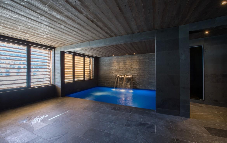 Kings-avenue-méribel-snow-hammam-swimming-pool-childfriendly-parking-cinema-boot-heaters-fireplace-ski-in-ski-out-wine-cellar-area-méribel-002-10