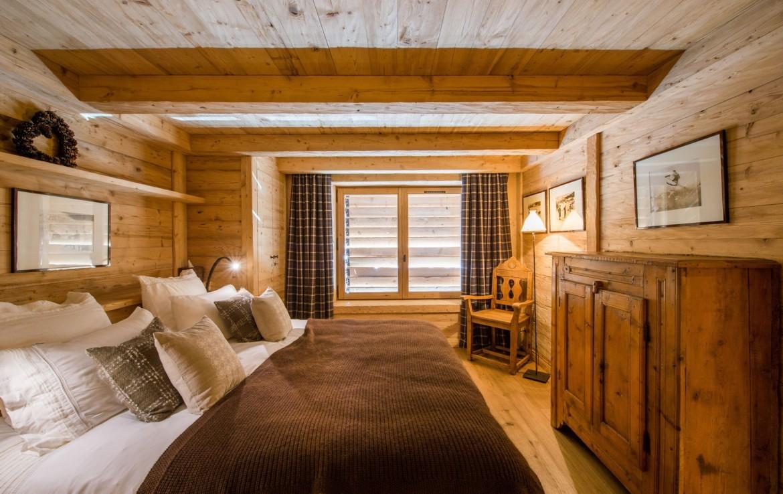 Kings-avenue-méribel-snow-hammam-swimming-pool-childfriendly-parking-cinema-boot-heaters-fireplace-ski-in-ski-out-wine-cellar-area-méribel-002-17