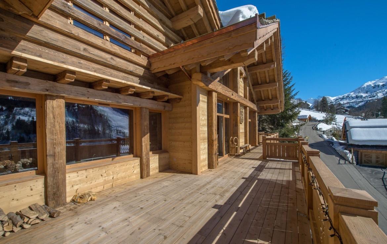 Kings-avenue-méribel-snow-hammam-swimming-pool-childfriendly-parking-cinema-boot-heaters-fireplace-ski-in-ski-out-wine-cellar-area-méribel-002-22
