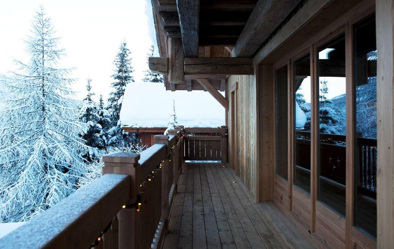 Kings-avenue-méribel-snow-hammam-swimming-pool-childfriendly-parking-cinema-boot-heaters-fireplace-ski-in-ski-out-wine-cellar-area-méribel-002-3