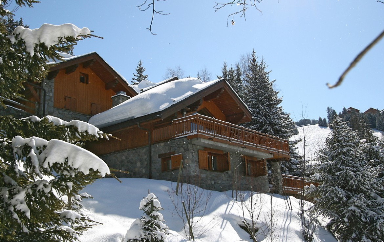 Kings-avenue-méribel-snow-sauna-childfriendly-parking-cinema-games-room-boot-heaters-fireplace-ski-in-ski-out-terrace-jacuzzi-area-méribel-011