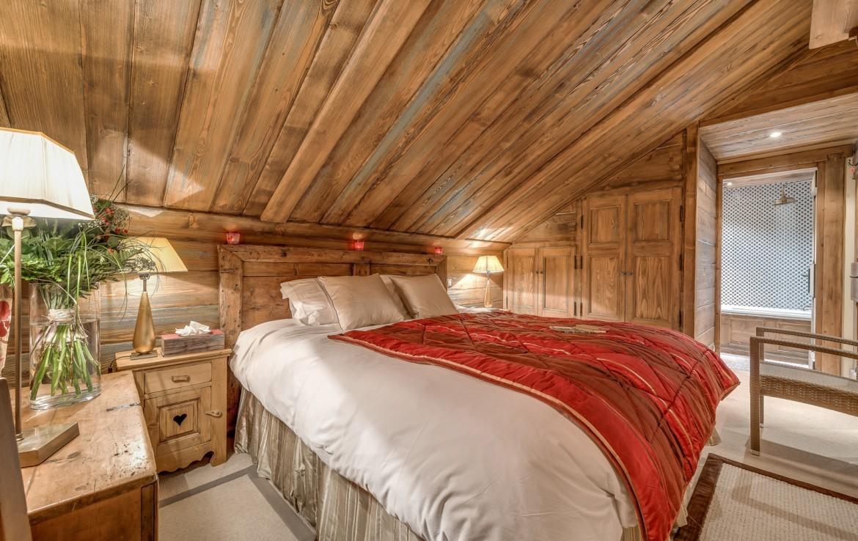 Kings-avenue-méribel-snow-sauna-indoor-jacuzzi-hammam-parking-cinema-boot-heaters-fireplace-large-terrace-area-méribel-018-9