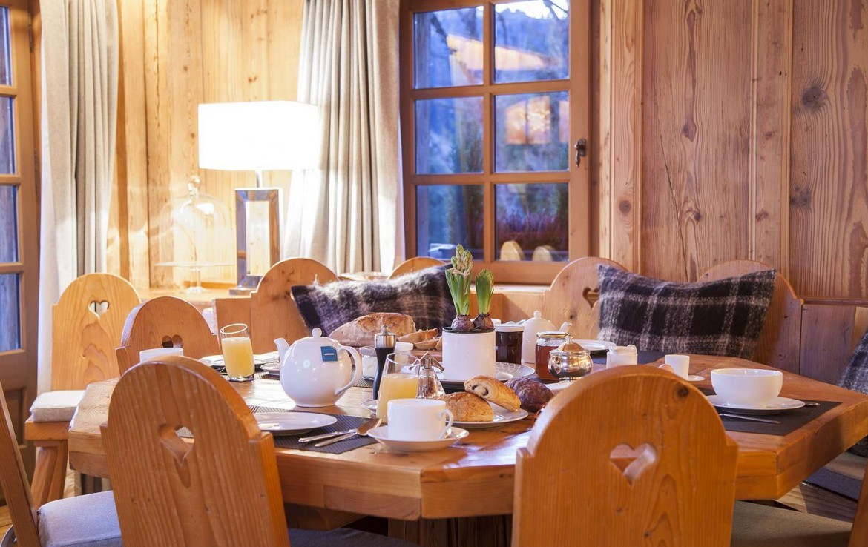 Kings-avenue-méribel-snow-sauna-jacuzzi-hammam-childfriendly-parking-fireplace-ski-in-helipad-area-méribel-014-9