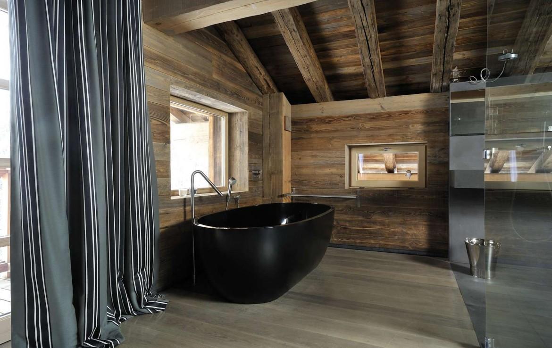 Kings-avenue-méribel-snow-sauna-jacuzzi-hammam-parking-boot-heaters-fireplace-ski-in-ski-out-sitting-room-garage-area-méribel-001-15