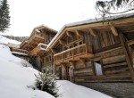 Kings-avenue-méribel-snow-sauna-jacuzzi-hammam-parking-boot-heaters-fireplace-ski-in-ski-out-sitting-room-garage-area-méribel-001-4