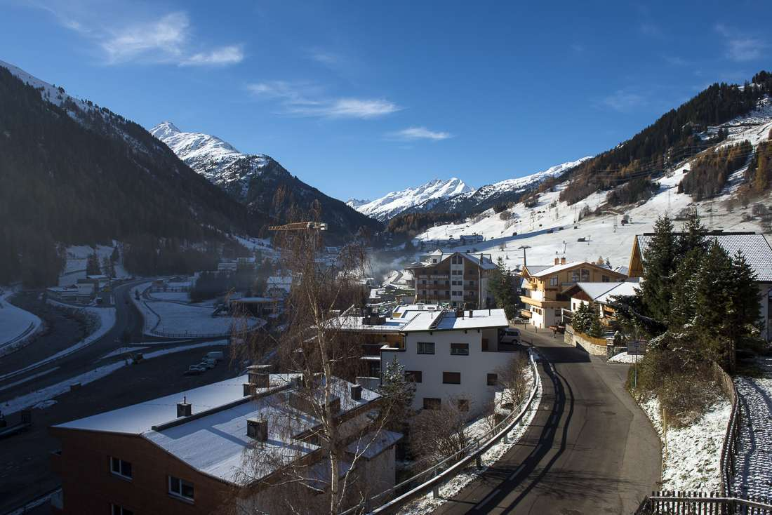 Kings-avenue-st-anton-snow-tv-wifi-tv-hifi-childfriendly-parking-boot-heaters-fireplace-cinema-area-st-anton-003-2