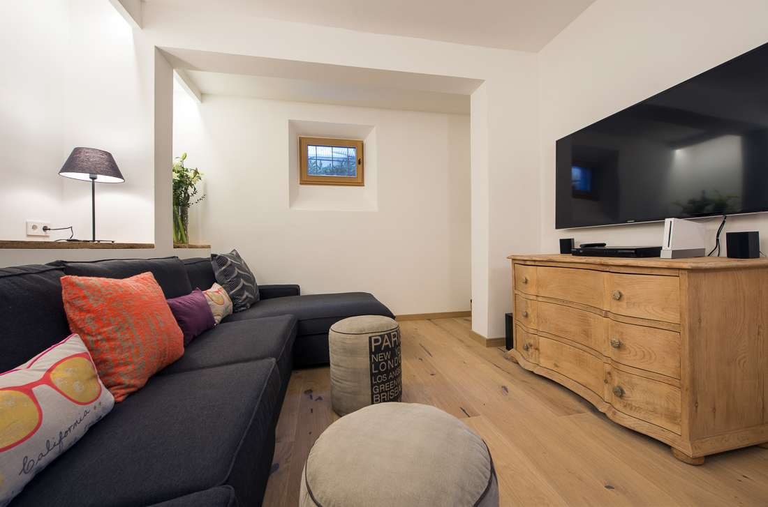 Kings-avenue-st-anton-snow-tv-wifi-tv-hifi-childfriendly-parking-boot-heaters-fireplace-cinema-area-st-anton-003-24