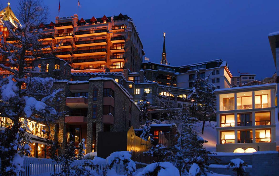 Kings-avenue- St-moritz-sauna-jacuzzi-hammam-childfriendly-parking-gym-fireplace-massage-room-area-st-moritz-001-2