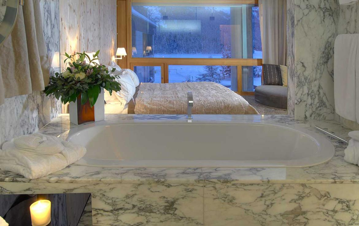 Kings-avenue- St-moritz-sauna-jacuzzi-hammam-childfriendly-parking-gym-fireplace-massage-room-area-st-moritz-001-7