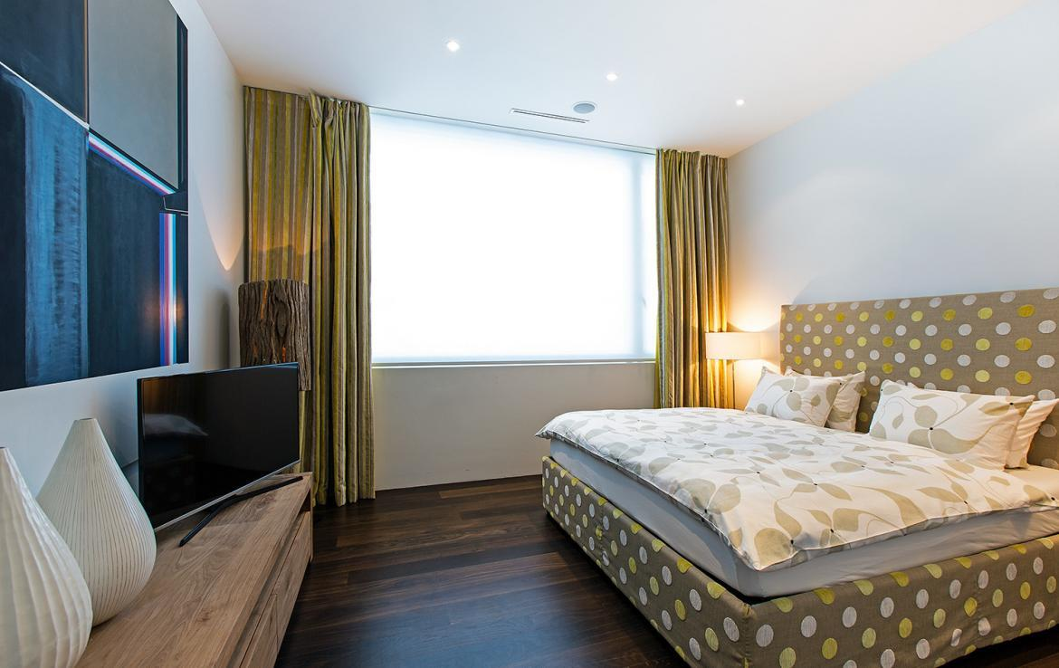 Kings-avenue-st-moritz-snow-tv-wifi-indoor-jacuzzi-childfriendly-covered-parking-fireplace-area-st-mortiz-005-12