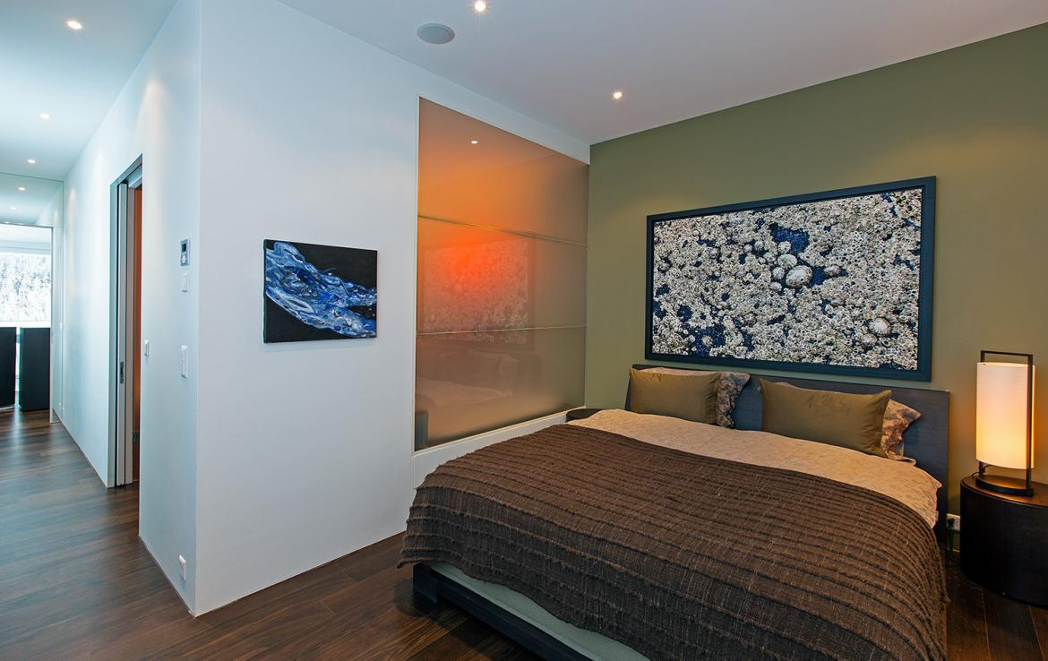 Kings-avenue-st-moritz-snow-tv-wifi-indoor-jacuzzi-childfriendly-covered-parking-fireplace-area-st-mortiz-005-14