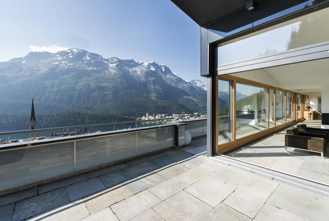 Kings-avenue- St-moritz-wifi-childfriendly-`parking-kids-playroom-games-room-gym-fireplace-wellness-area-hammam-area-st-moritz-002