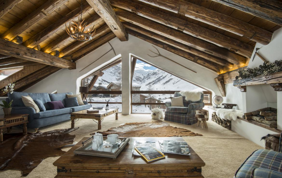 Kings-avenue-val-disere-snow-chalet-childfriendly-boot-heaters-fireplace-ski-in-ski-out-2-outdoor-hottubs-val-disere-021-2
