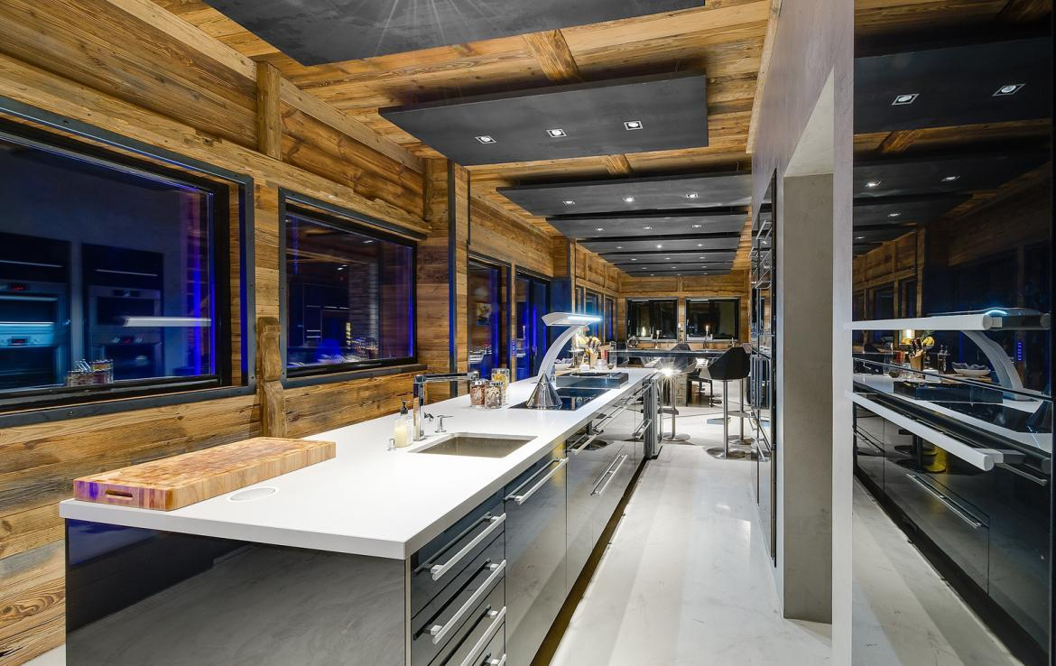 Kings-avenue-val-disere-snow-chalet-sauna-childfriendly-study-fireplace-games-room-parking-val-disere-025-10