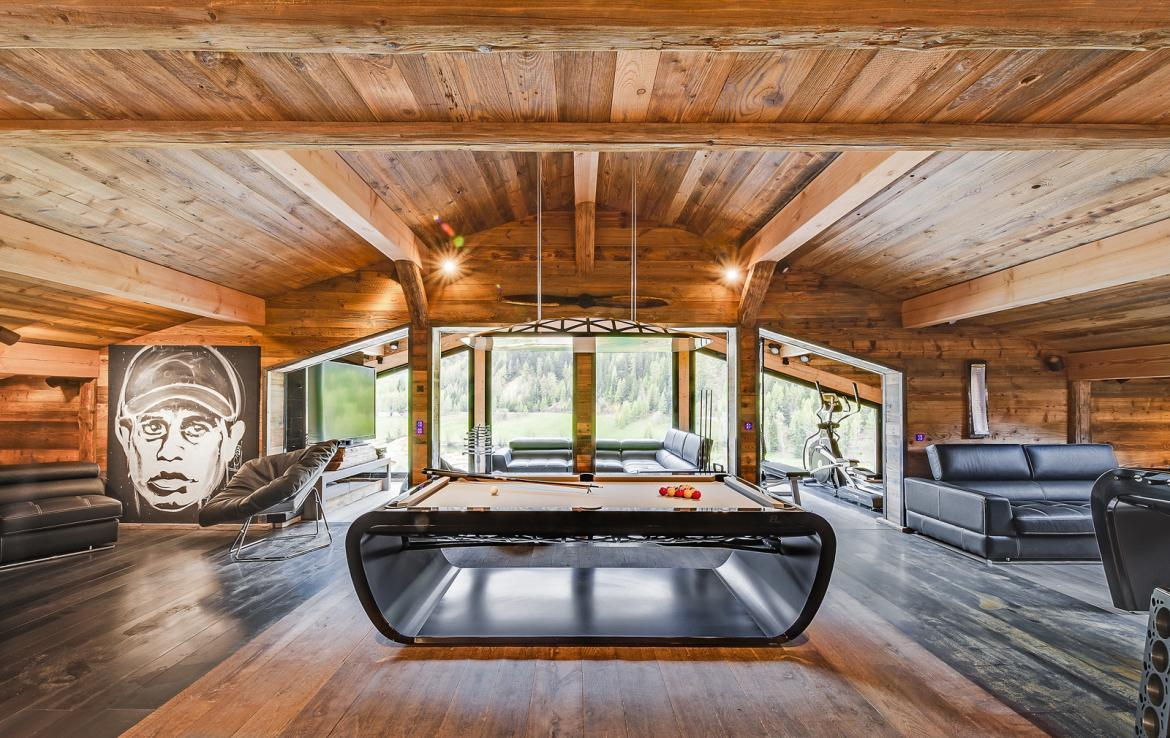 Kings-avenue-val-disere-snow-chalet-sauna-childfriendly-study-fireplace-games-room-parking-val-disere-025-11