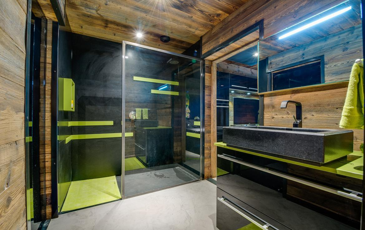 Kings-avenue-val-disere-snow-chalet-sauna-childfriendly-study-fireplace-games-room-parking-val-disere-025-20